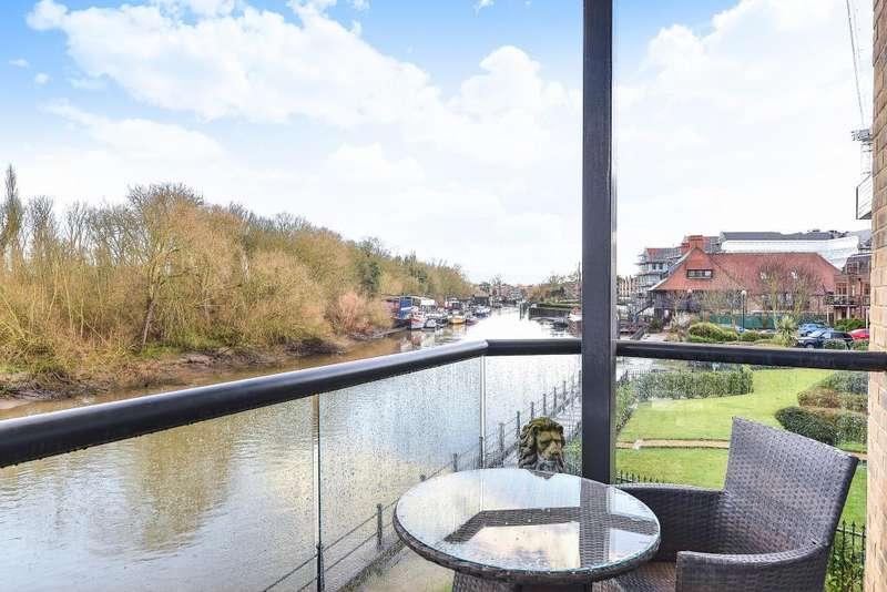 2 Bedrooms Apartment Flat for rent in Old Isleworth, Twickenham, TW7