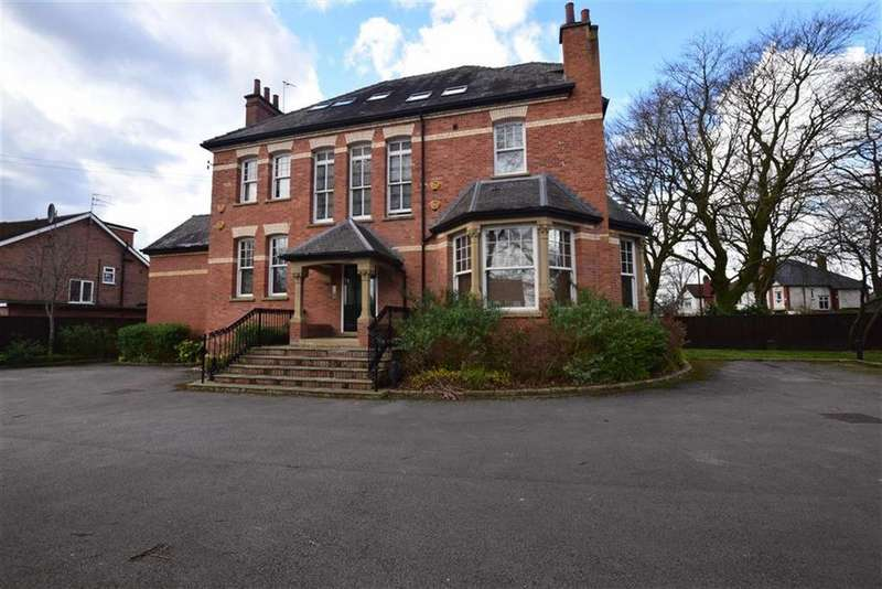 2 Bedrooms Apartment Flat for rent in Moss Lane, Sale, Cheshire, M33