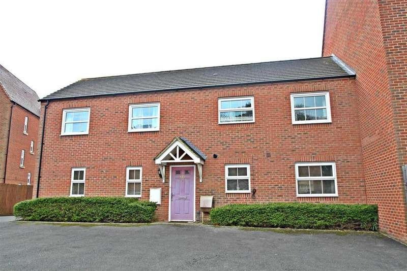 3 Bedrooms Apartment Flat for sale in Faulkner Drive, Bletchley, Milton Keynes