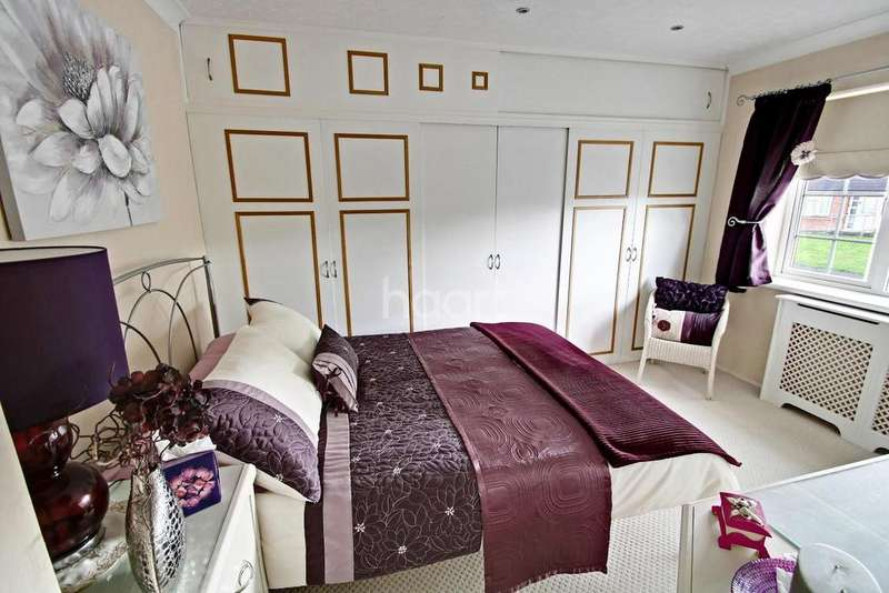3 Bedrooms Semi Detached House for sale in Hyde Mead, Nazeing