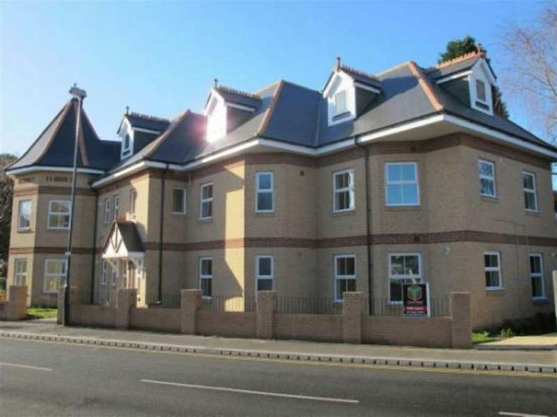 1 Bedroom Flat for rent in Iddesleigh Road, Charminster, Bournemouth, Dorset, BH3