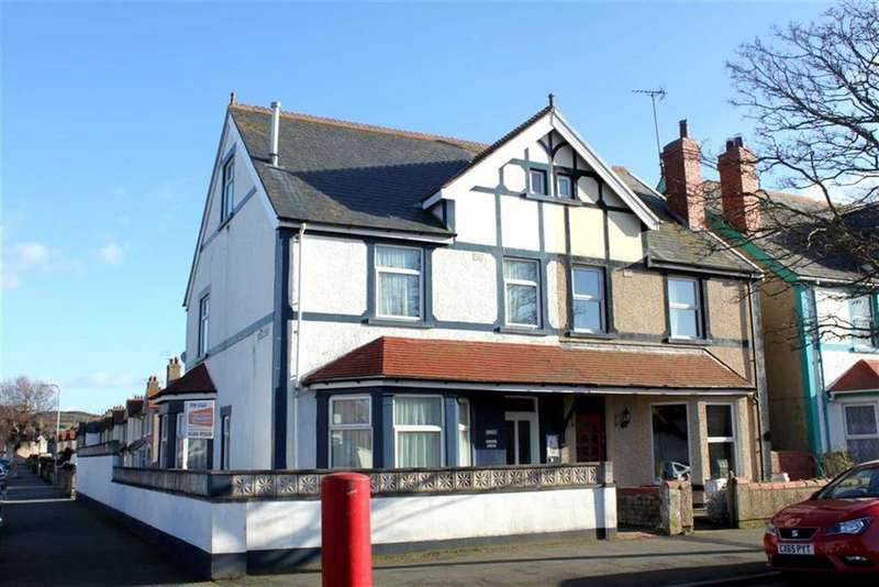 5 Bedrooms Semi Detached House for sale in Trinity Avenue, Llandudno, Conwy