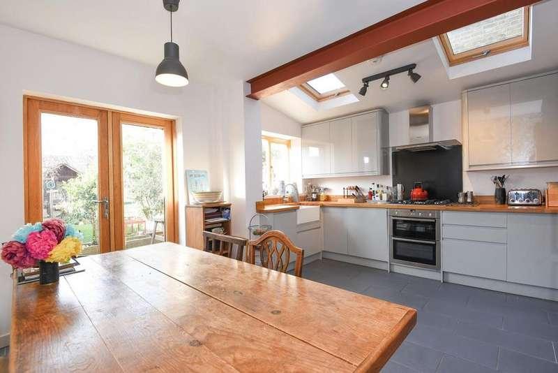 4 Bedrooms Terraced House for sale in Heene Road, Enfield