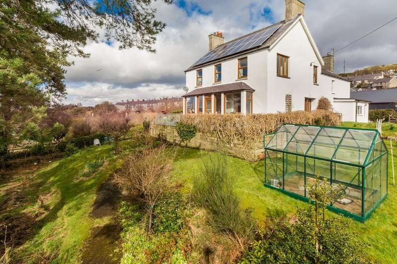 4 Bedrooms Detached House for sale in Penybryn Place, Bethesda, Bangor, North Wales