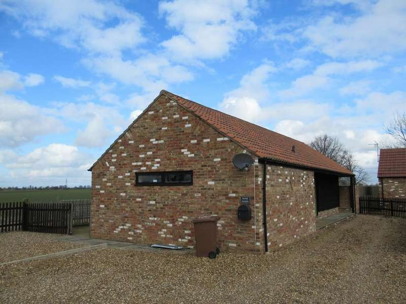 2 Bedrooms Detached Bungalow for rent in Woodhouse Farm Close, Jew House Drove,Friday Bridge, Wisbech