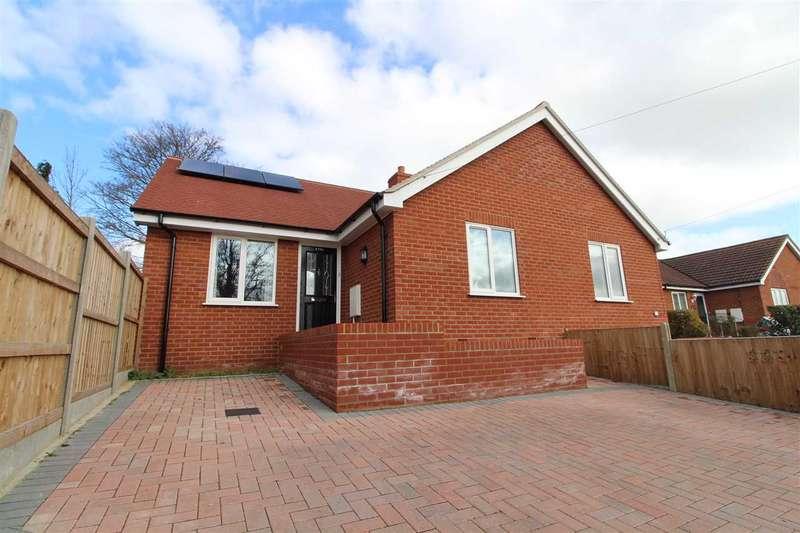 2 Bedrooms Semi Detached Bungalow for sale in Henniker Road, Ipswich