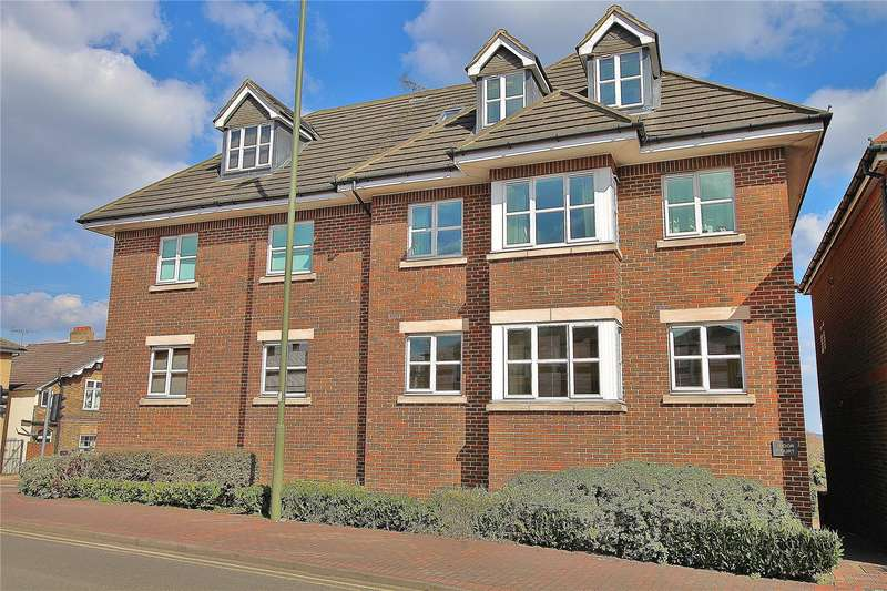 2 Bedrooms Apartment Flat for sale in Tudor Court, Knaphill, Woking, GU21