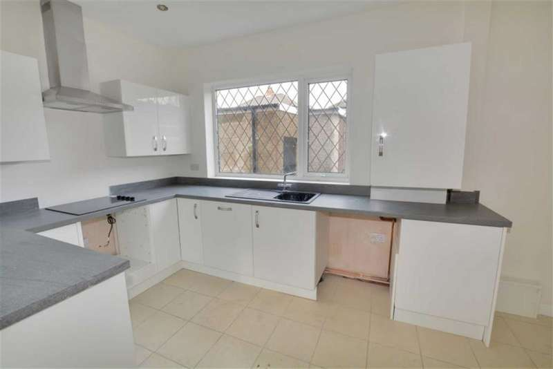3 Bedrooms Property for sale in Weetworth Avenue, Castleford, WF10
