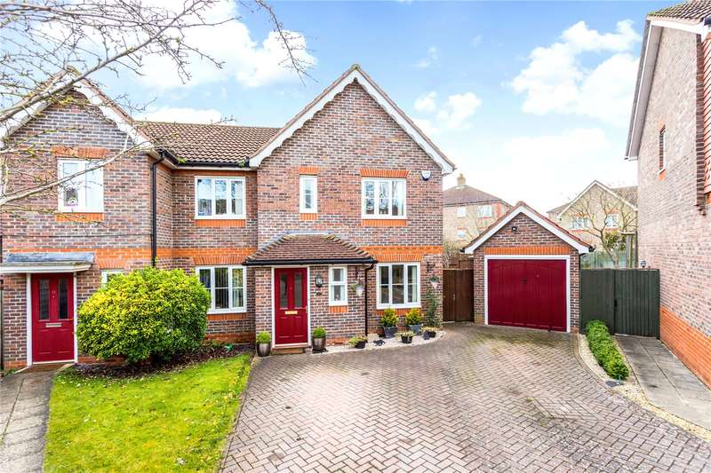 3 Bedrooms Semi Detached House for sale in Claremont Crescent, Newbury, Berkshire, RG14