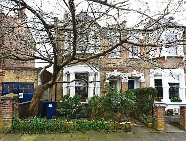 3 Bedrooms Semi Detached House for sale in Leicester Road, East Finchley, N2