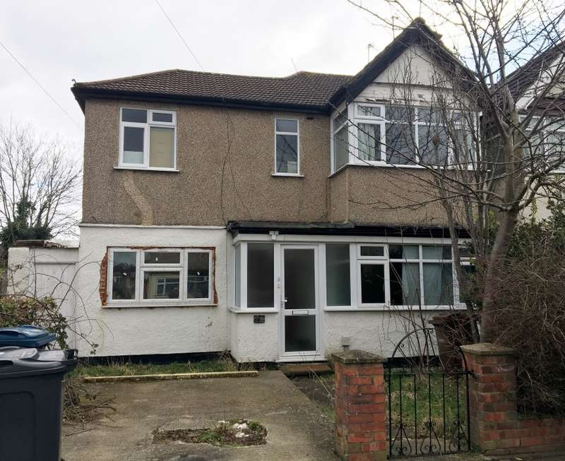 2 Bedrooms Ground Flat for sale in Lulworth Gardens, Harrow, Middlesex, HA2 9NP