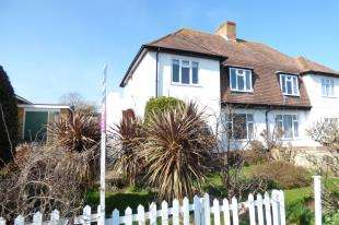 2 Bedrooms Flat for sale in Tumulus Road, Saltdean, Brighton, East Sussex
