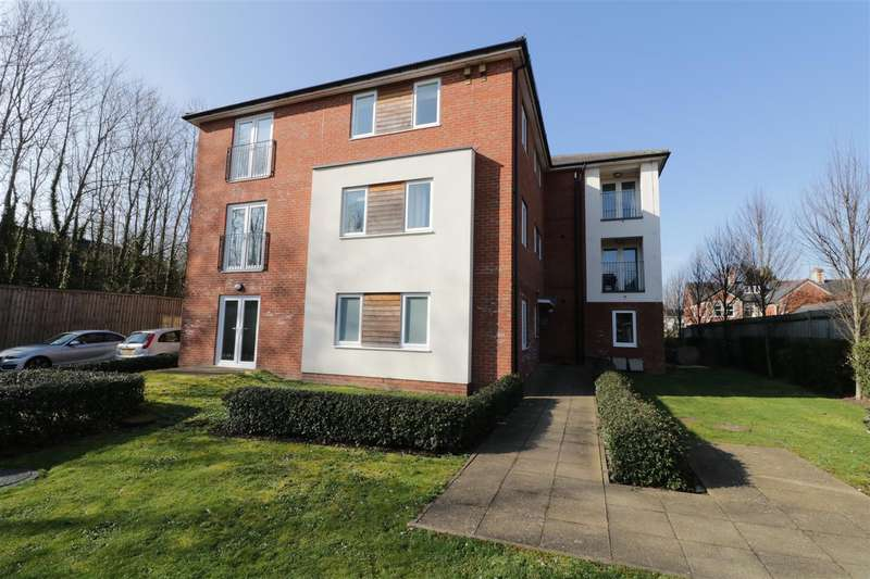 2 Bedrooms Apartment Flat for sale in James Butcher Drive, Theale, Reading