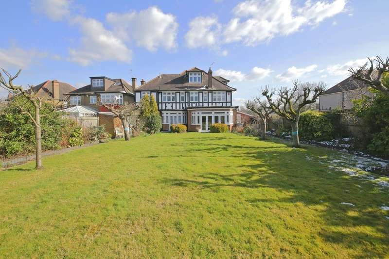 6 Bedrooms Detached House for sale in Northwick Circle, Harrow