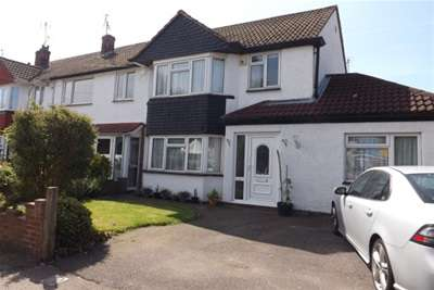 4 Bedrooms House for rent in Hilltop Road, Frindsbury, Strood