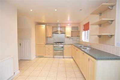 3 Bedrooms House for rent in Sandpiper Road, Calder Grove