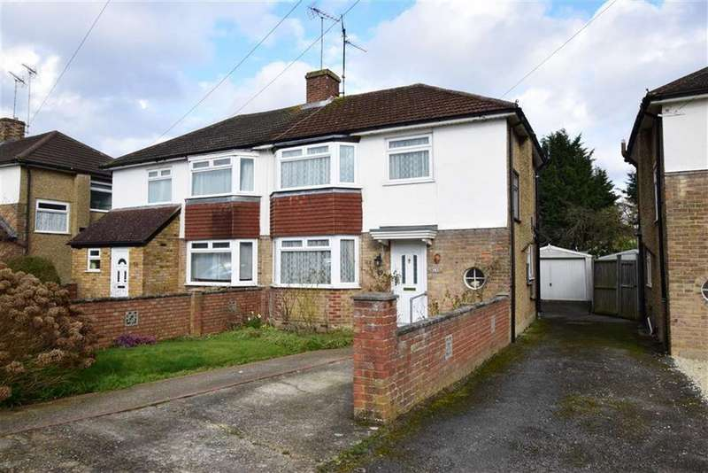 3 Bedrooms Semi Detached House for sale in Chiltern Road, Caversham, Reading