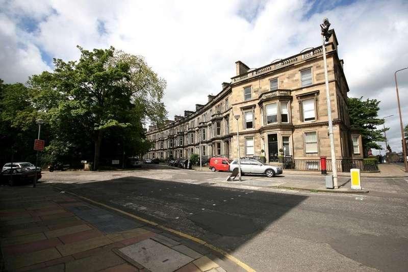 2 Bedrooms Flat for rent in Grosvenor Crescent, Edinburgh