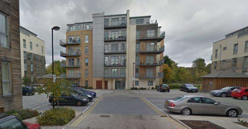 2 Bedrooms Flat for sale in Fortune Avenue , Edgware HA8