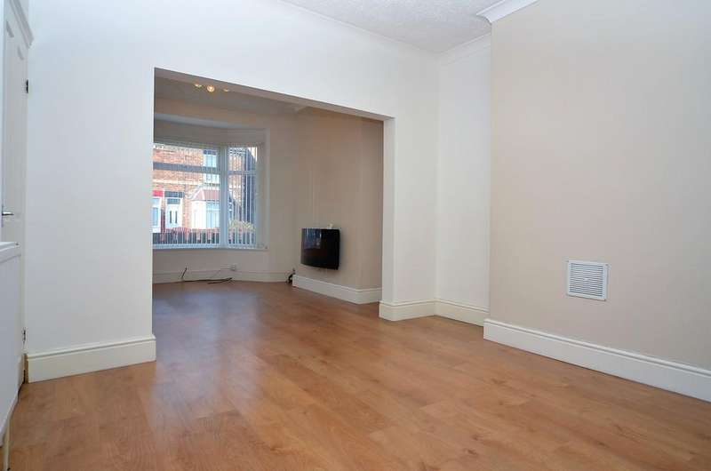 3 Bedrooms Terraced House for sale in 12 Chanterlands Avenue