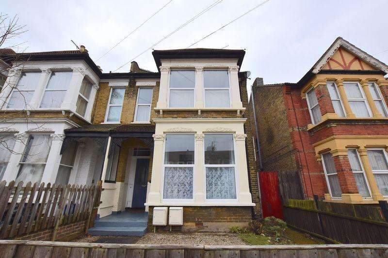 2 Bedrooms Apartment Flat for sale in Hastings Road, Southend-On-Sea
