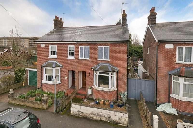 2 Bedrooms Cottage House for sale in Nursery Road, Paddock Wood