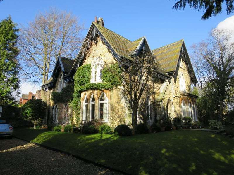 4 Bedrooms Apartment Flat for sale in 27A The Mount, Malton, YO17 7ND