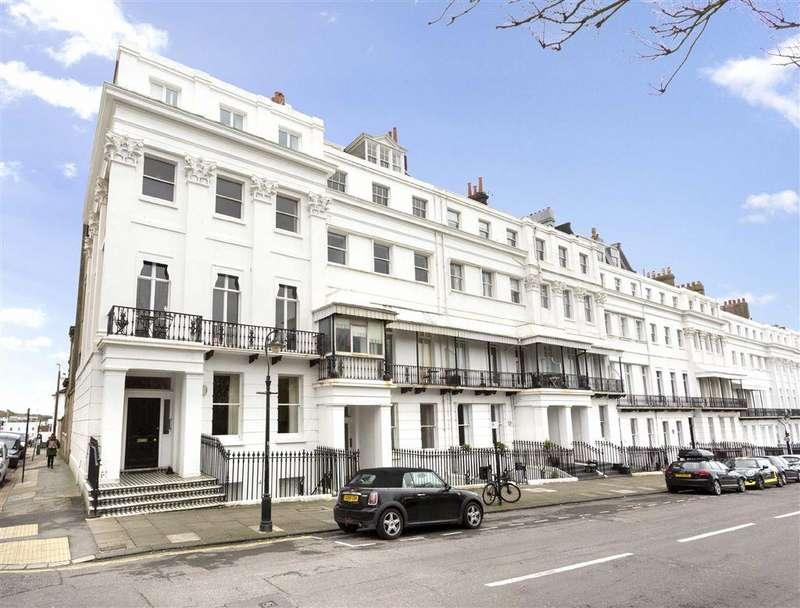 2 Bedrooms Flat for rent in Sussex Square, Brighton