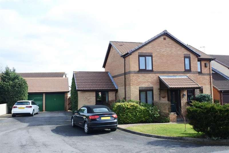 4 Bedrooms Detached House for sale in St Georges Grove, Northallerton