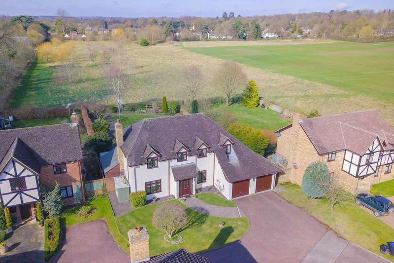 5 Bedrooms Detached House for sale in Bybend Close, Farnham Royal, SL2