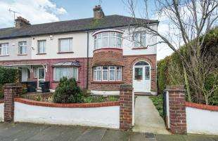 3 Bedrooms End Of Terrace House for sale in Lamorna Avenue, Gravesend, Kent, England