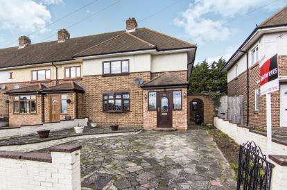 3 Bedrooms Semi Detached House for sale in Harold Hill, Romford, Havering