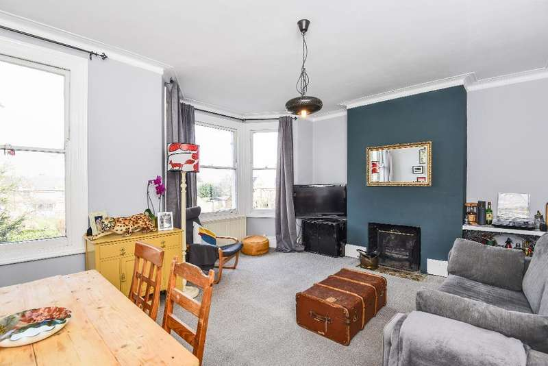 2 Bedrooms Flat for sale in Bruce Grove, London, N17 6RN