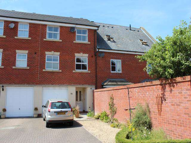 4 Bedrooms Town House for rent in Pollard Road, Weston Village, Weston-super-Mare