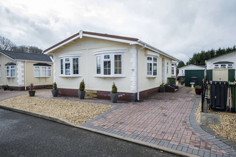 2 Bedrooms Park Home Mobile Home for sale in The Willows Park Homes, Far Forest