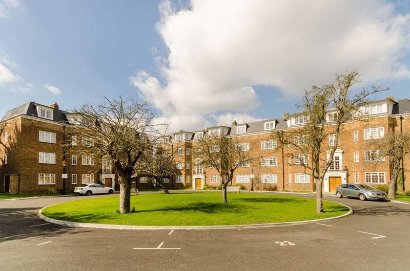 2 Bedrooms Flat for sale in The Avenue, Worcester Park, KT4