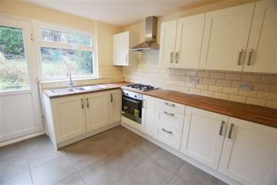 3 Bedrooms Town House for rent in Leighton Road, Gleadless, Sheffield, S14