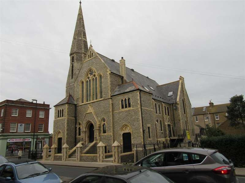 4 Bedrooms Flat for sale in High Street, Herne Bay