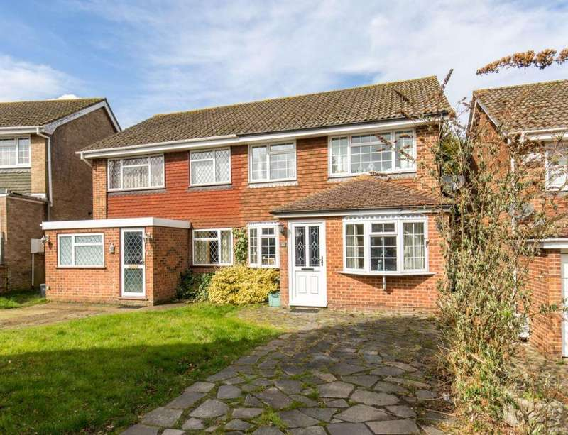 3 Bedrooms Semi Detached House for sale in Greenoak Rise, Biggin Hill, Westerham