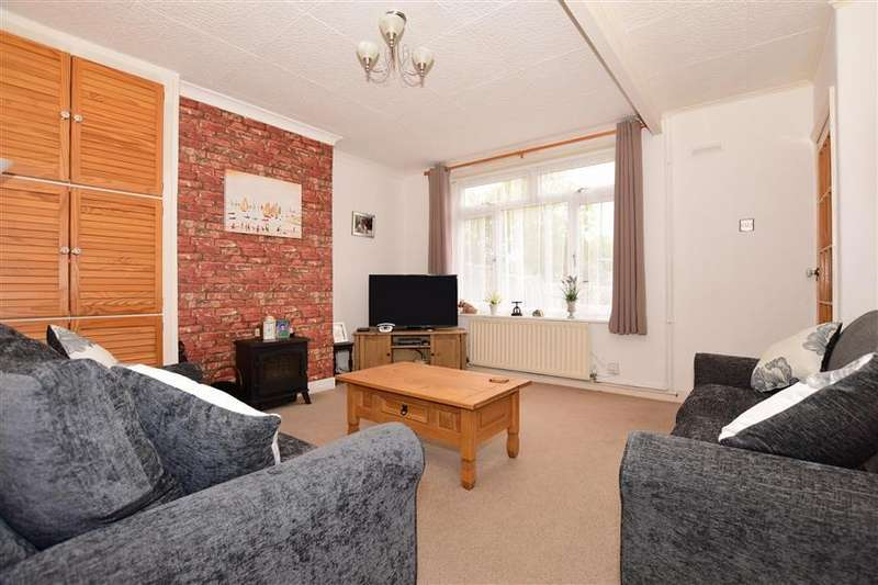 3 Bedrooms Semi Detached House for sale in Beaufoy Road, Dover, Kent