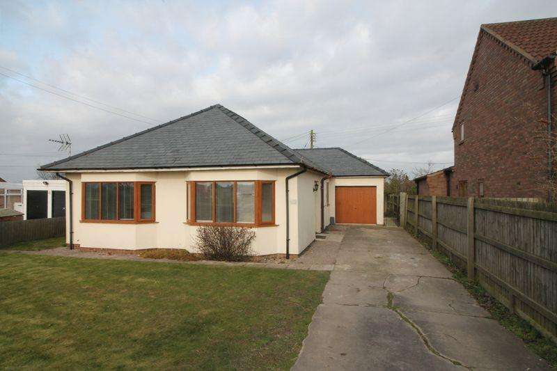 3 Bedrooms Bungalow for sale in Dozens Bank, West Pinchbeck