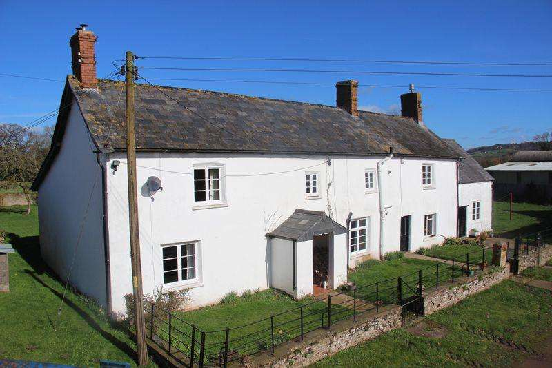 5 Bedrooms Detached House for sale in Llandowlais Farmhouse Adjoining Barns, Llangybi, Usk