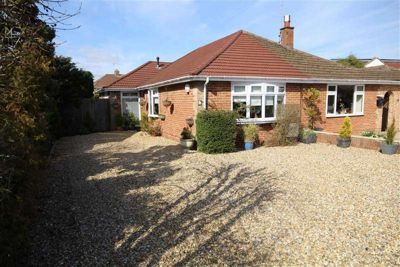 2 Bedrooms Semi Detached House for sale in Caversham Close, Old Walcot, Swindon, Wiltshire