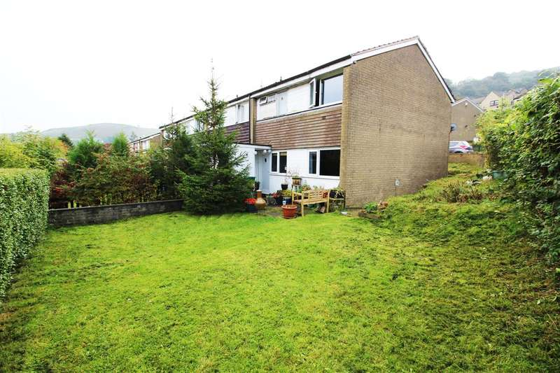 3 Bedrooms End Of Terrace House for sale in Summerfield Road, Todmorden