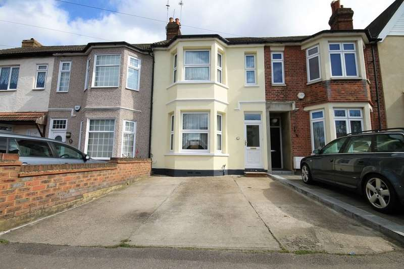 3 Bedrooms Property for sale in Junction Road, Romford, RM1