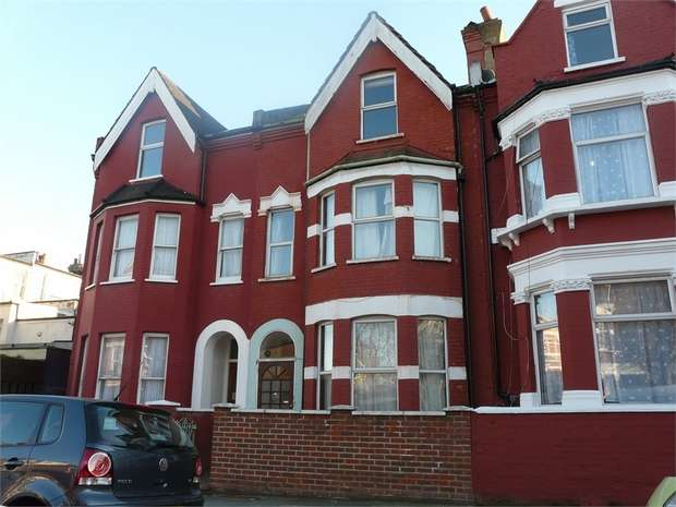 6 Bedrooms Terraced House for rent in Burgoyne Road, Finsbury Park, N4