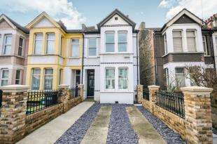 3 Bedrooms Semi Detached House for sale in Mansfield Road, South Croydon
