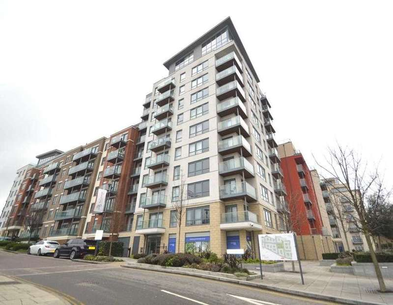 3 Bedrooms Apartment Flat for rent in Envoy House, 2 East Drive, London