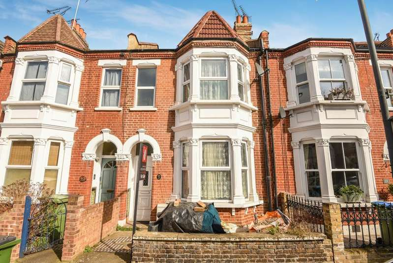 3 Bedrooms Terraced House for sale in Macoma Road London SE18