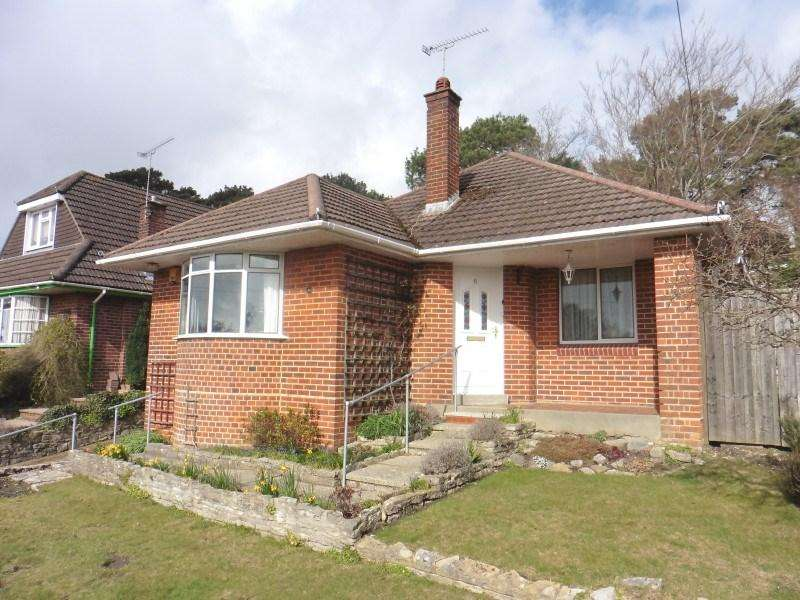 3 Bedrooms Detached Bungalow for sale in Inverclyde Road, Poole